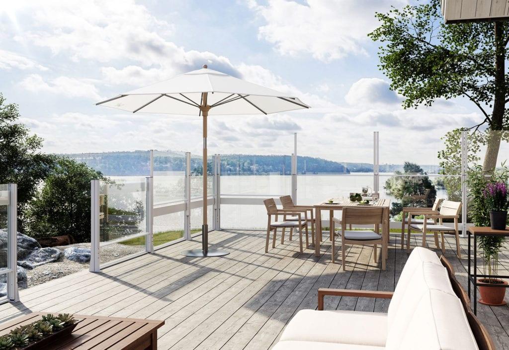 Vindskydd i glas för terrass och uteserveringar